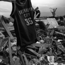 KD, Thunder players help with tornado relief in Moore
