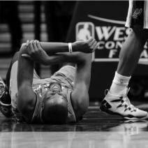 Spurs crush the Ibaka-less Thunder 122-105 in Game 1