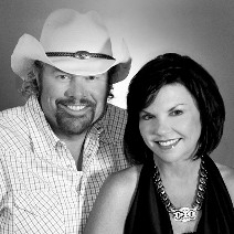 Toby Keith, Five Others to Receive Service Awards
