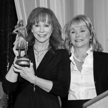 Reba McEntire Receives Annie Oakley Award