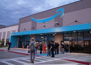 Amazon celebrates first day of new fulfillment center in Oklahoma City