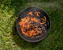 PSA: You Should Never Oil Your Grates Before Grilling
