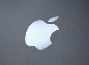 Reports: Apple Will Turn Next iPhone Into Wallet