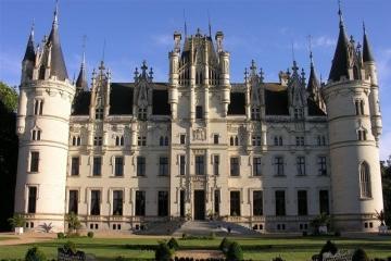 Royal Retreat: Castles Where You Can Live Like A King
