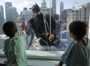 Window Washers Heartwarming Stunt For Kid Patients