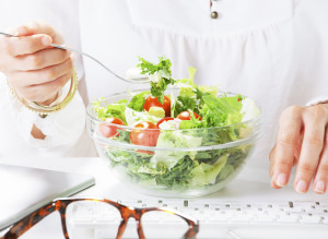 The Work-Lunch Trick That Keeps Your Salad From Getting Soggy