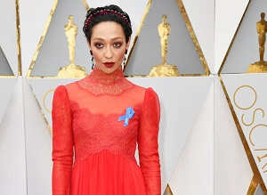 Blue ACLU Ribbons Are The Stars' Best Accessories At 2017 Oscars